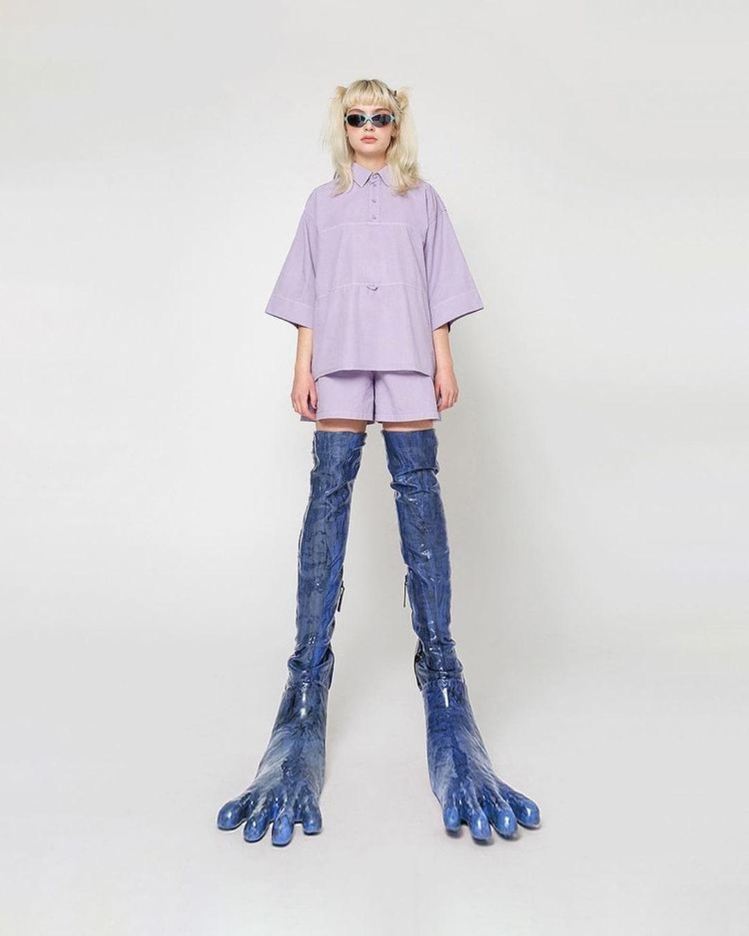 Conoce a Beate Karlsson, la diseñadora que crea botas monstruosamente fashion