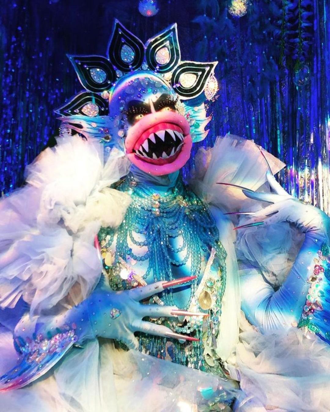Conoce a Charity Kase, la estrella drag londinense que rompe la Internet con looks alucinantes