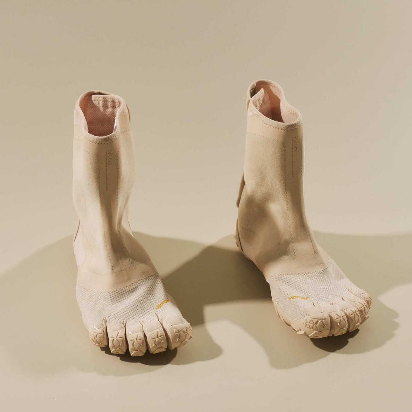 """¿Usarías estos nuevos """"toe shoes"""" de Suicoke con uñas?"""