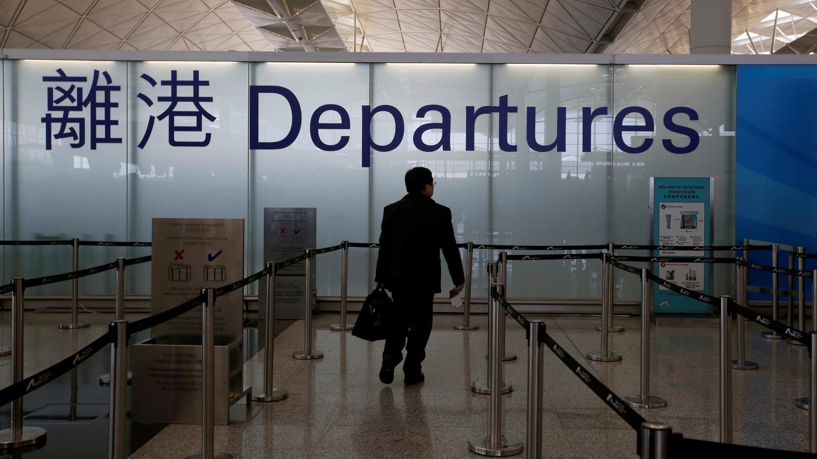 Hong Kong aprueba ley de inmigración que podría impedir la salida de la ciudad