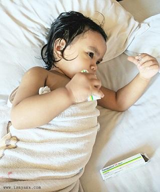 Menghangatkan bayi
