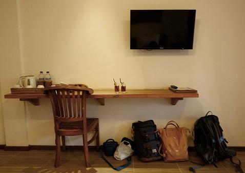 perabotan kamar alam sembuwuk
