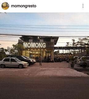 parkir momong resto