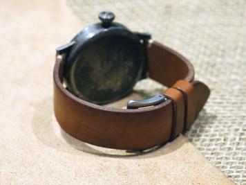 isochrono_watch-wonderland_the-leather-academy_strap_workshop_03