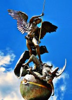 De Michele Arcangelo statuam Sancti