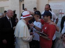 papa copricapo 12