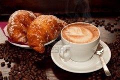 cappuccino et croissants