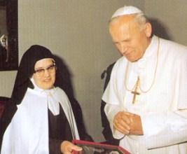 Carme Jean-Paul II et de Sœur Lucie 1982-001