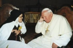 Carmelitane Giovanni Paolo II e suor Lucia 2000-001