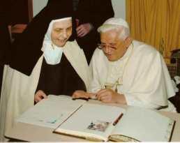 Carmelitas de Quart Valle de Aosta, el Papa-001