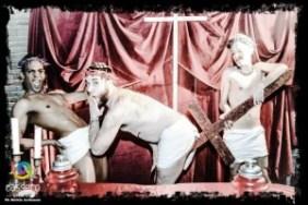 gay pride spettacolo blasfemo a bologna 1