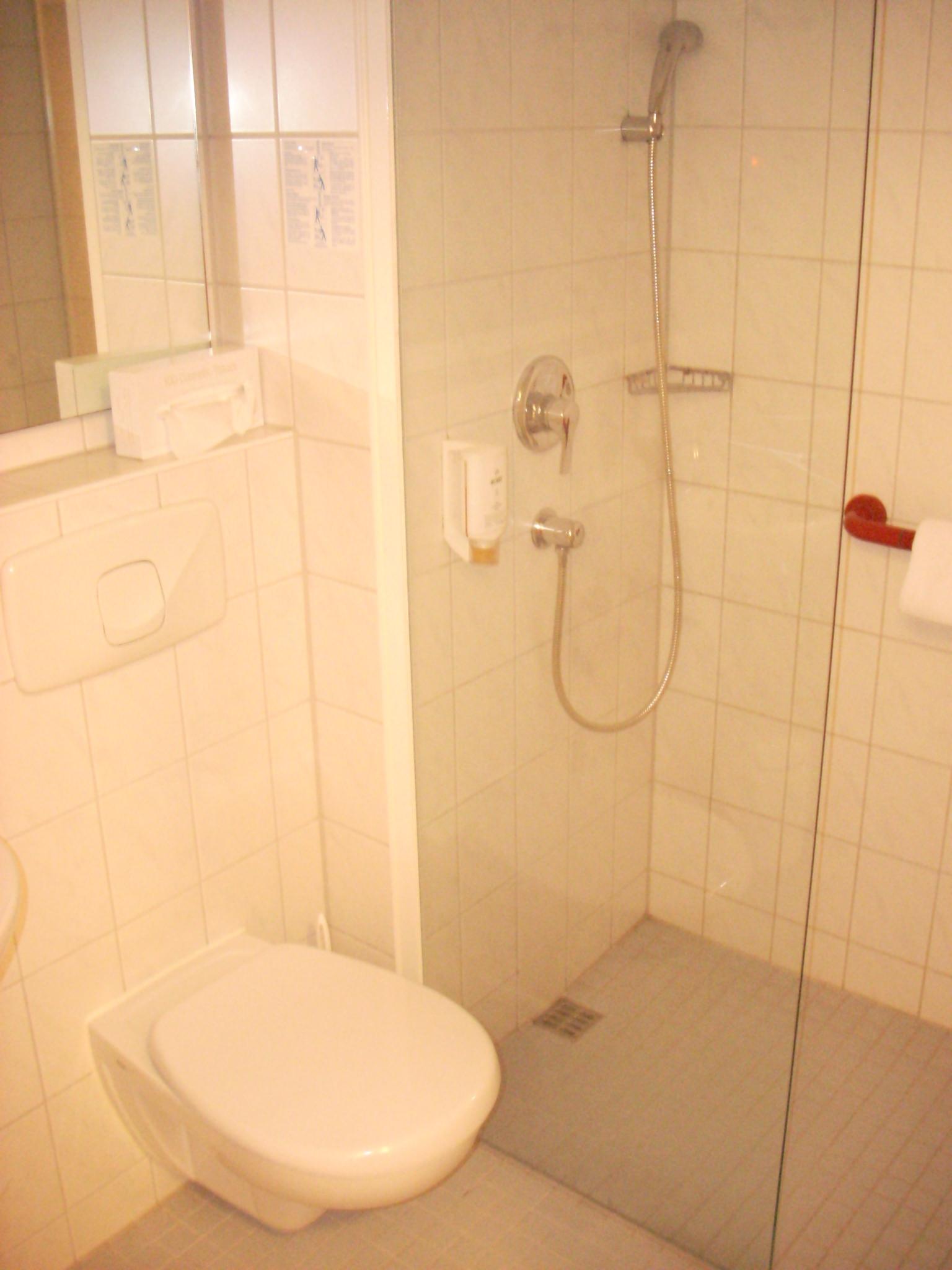 El lavabo de la segona nit