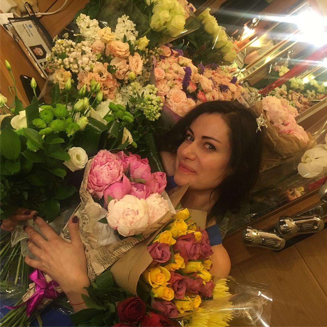 а1-10   Анна Ковальчук - хотите узнать, как сейчас живет любимая актриса?