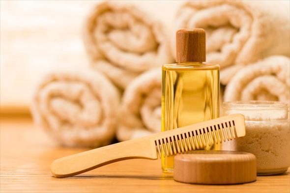 efirnoe-maslo-dlya-vosstanovleniya-volos   Какие эфирные масла помогут восстановить поврежденные волосы?