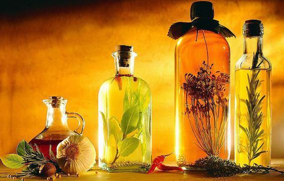 masla-dlya-vosstanovleniya-volos   Какие эфирные масла помогут восстановить поврежденные волосы?
