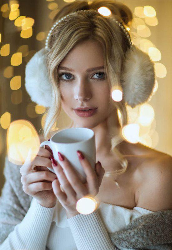 image6-54 | Съемка волшебного новогоднего портрета с гирляндой в обычной спальне