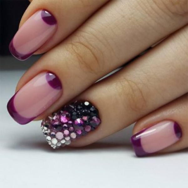 image3-75 | Красивые ногти с украшениями на весну-лето 2018