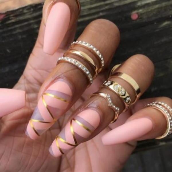 image36-1 | Красивые ногти с украшениями на весну-лето 2018