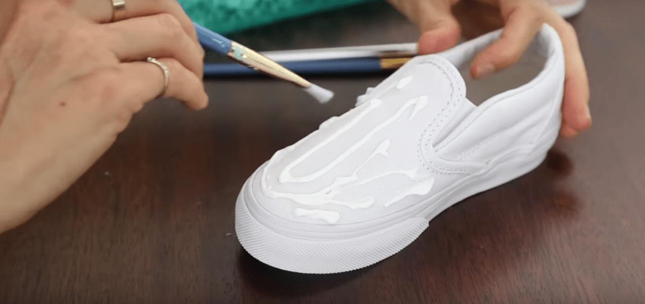 image4-2 | Как декорировать белые ботинкии придать им новый, неповторимый вид