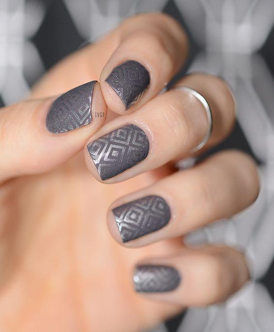 image14-41   50 оттенков серого в маникюре: стильные идеи модного элегантного маникюра!