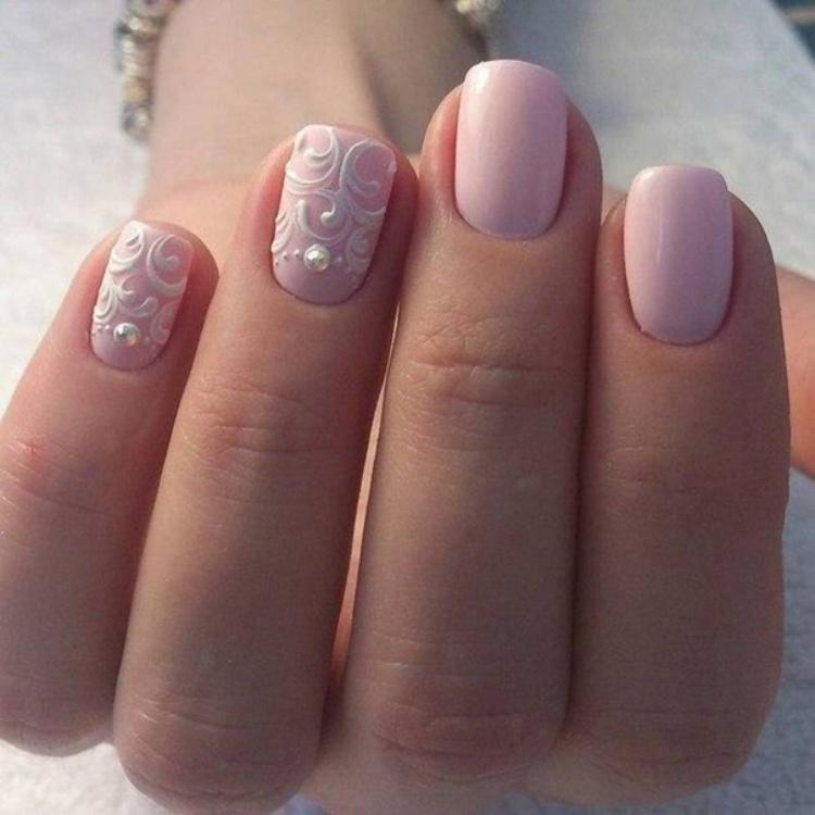 image2-107   Нежные идеи маникюра с дизайном в розовых оттенках