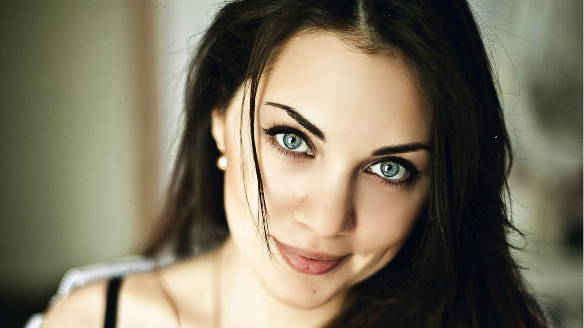 image7-58 | Макияж, который идеально подходит брюнеткам с зелеными глазами
