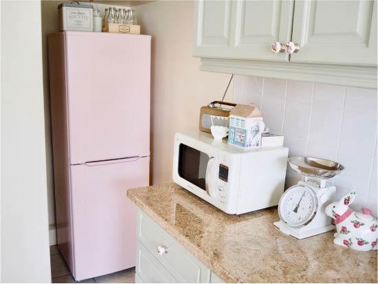 image18-15 | Новый дизайн старого холодильника: 7 способов создать стильный интерьер