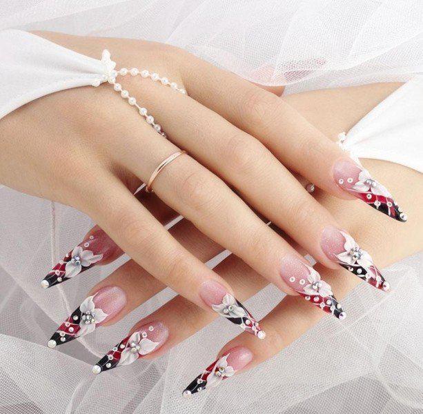 embellished-nails-12 | Тренды маникюра: маникюр с украшениями