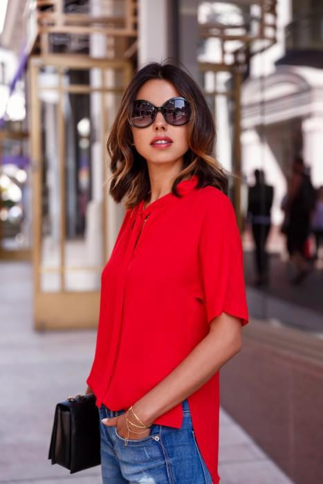 image4-4 | Как стильно носить красные блузки и рубашки летом и осенью 2018: 20 стильных идей