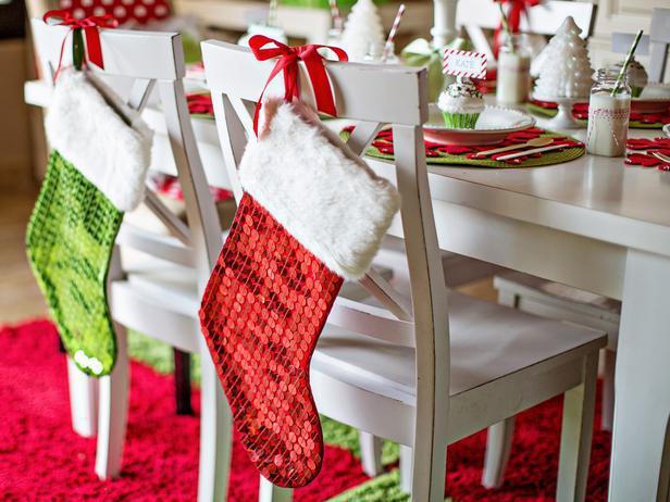 image7-7 | Как украсить стулья к Новому году