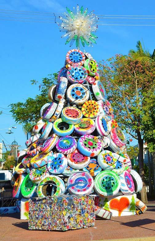 image9-4   Рождественские и Новогодние украшения из втросырья своими руками