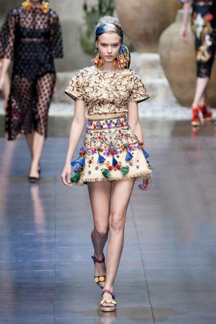 image13-9 | Летние платья с цветочным принтом: тренды 2019 года от известных домов моды