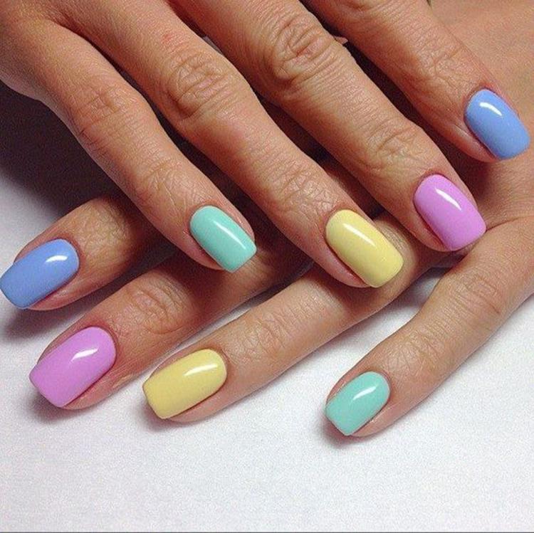 image11-23   34 идеи разноцветного маникюра — радуга на кончиках ваших пальцев