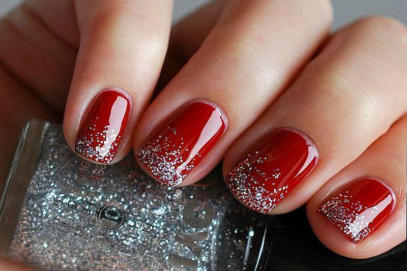 image11-31   Лучшие идеи красного маникюра на ногти любой длины