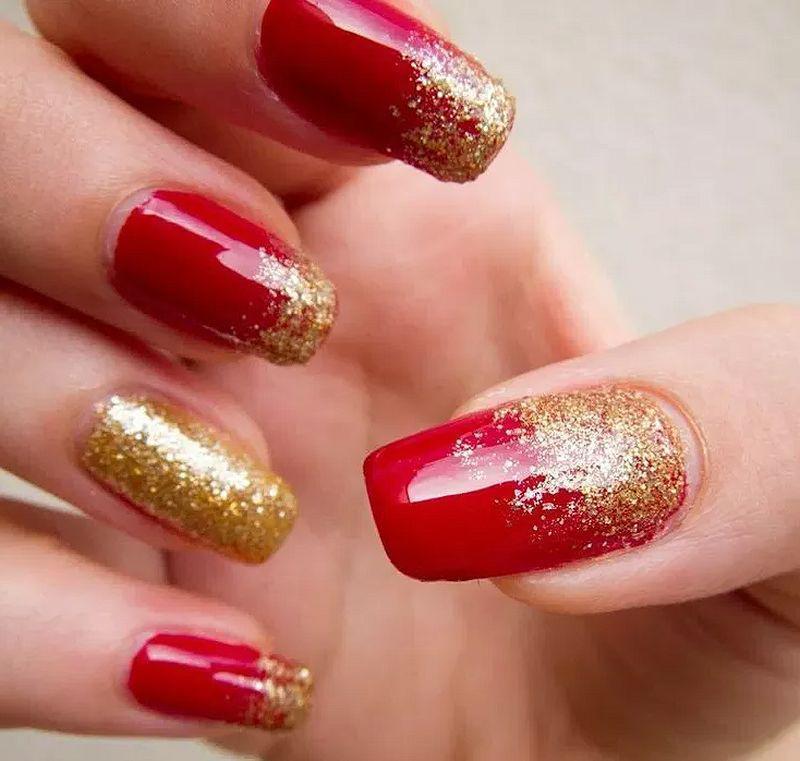 image12-31   Лучшие идеи красного маникюра на ногти любой длины