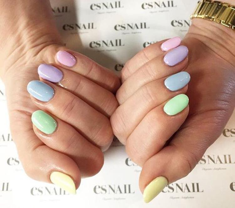 image18-21   34 идеи разноцветного маникюра — радуга на кончиках ваших пальцев