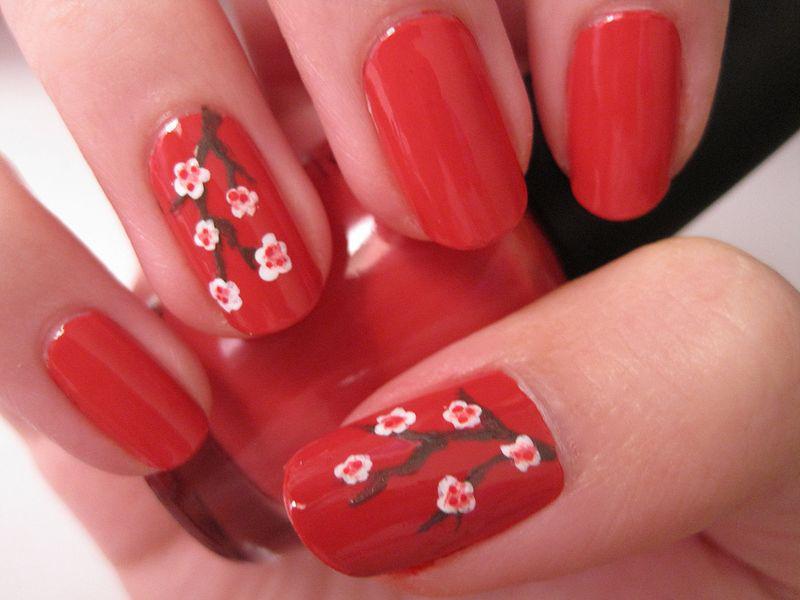 image35-19   Лучшие идеи красного маникюра на ногти любой длины