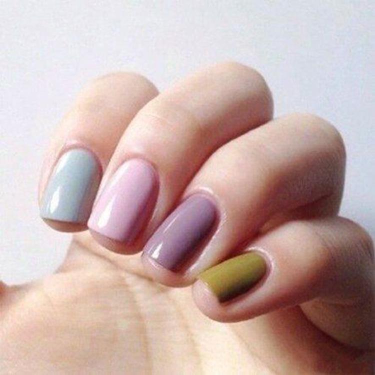 image4-25   34 идеи разноцветного маникюра — радуга на кончиках ваших пальцев