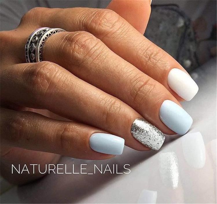 image7-6 | Нежно-голубой маникюр на короткие квадратные ногти