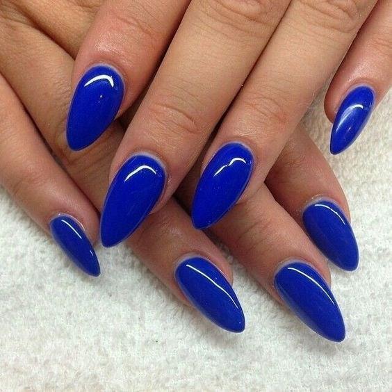 image16-7 | 37 идей синего маникюра на ногти разной формы и длины — найди лучшее решение