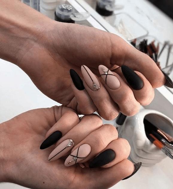 image17-4 | 38 идей матового маникюра на миндалевидные ногти