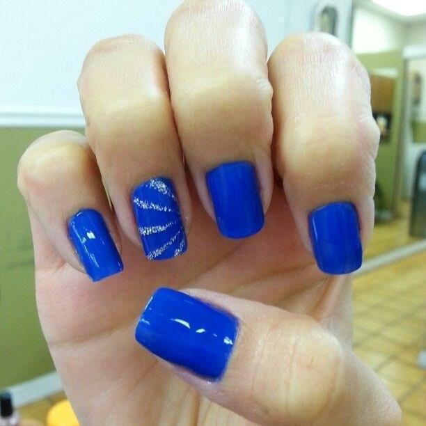 image32-5 | 37 идей синего маникюра на ногти разной формы и длины — найди лучшее решение
