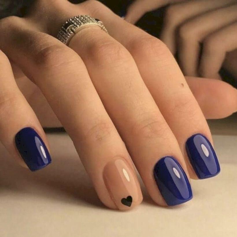 image37-3 | 37 идей синего маникюра на ногти разной формы и длины — найди лучшее решение