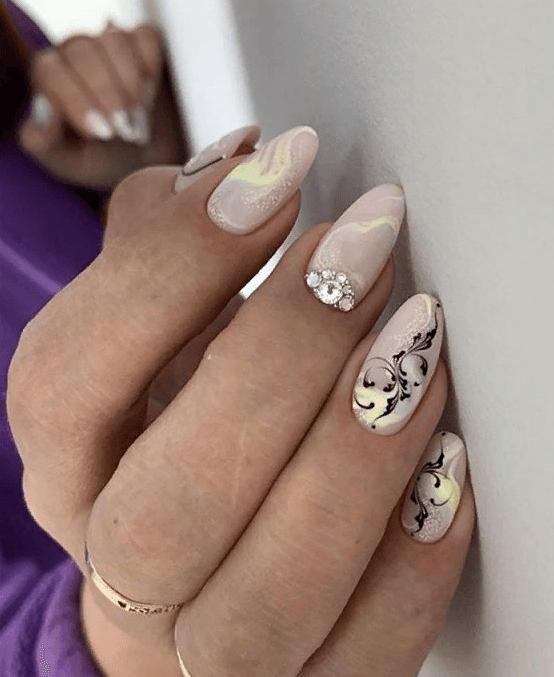 image7-4 | 38 идей матового маникюра на миндалевидные ногти