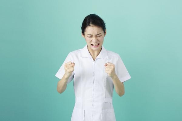 新人看護師の辛さ、仕事を辞めたい!