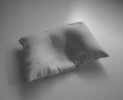 柔らかすぎる枕は肩こり原因