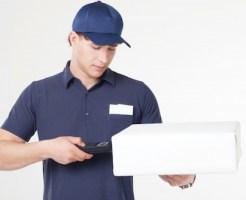 フィギュア宅配買取と出張買取のメリットデメリット