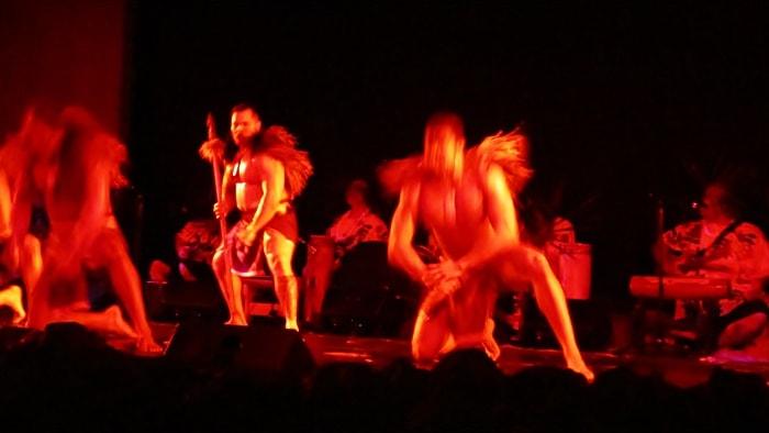 テ・モアナ・ヌイのショーの様子「スピードのあるダンス」