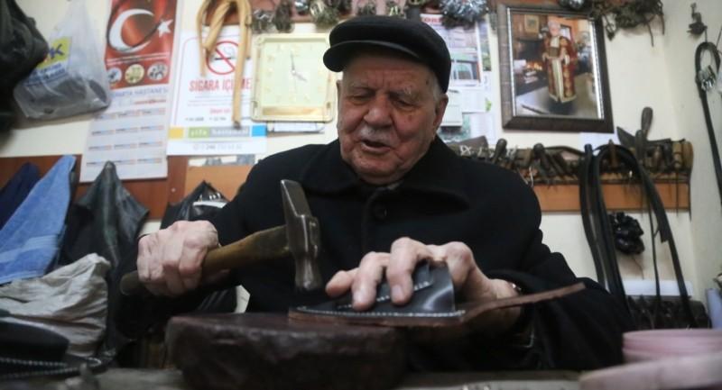 Eğirdir'de saraçlığın son temsilcisi Hacı Adil Gürsel vefat etti