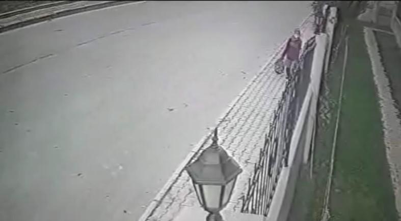 Isparta'da 11 gündür kayıp kadının son görüntüsü güvenlik kamerasına yansıdı